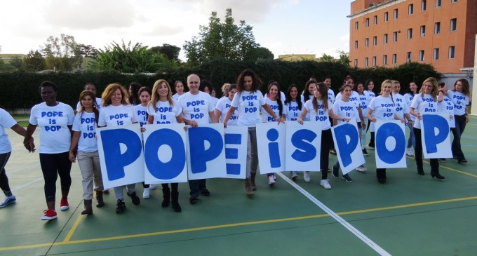 Pope is Pop. A Rebibbia le detenute ballano per Papa Francesco