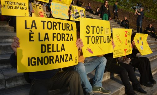 Amnesty International: per 1 cittadino su 2 la tortura in Italia non esiste